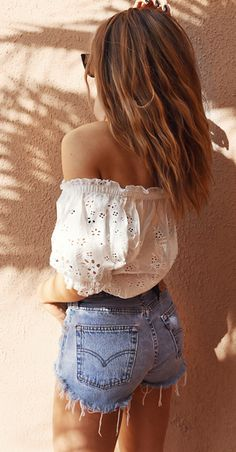 Loving this summer outfit! So cute and perfect for these hot summer days! Off the shoulder might be our new favorite trend too!