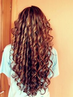 Long, cascading, spiral curls - beautiful look from the back