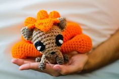 Free - Baby Vulpix pokemon amigurumi crochet pattern // by Amanda Maciel Pokemon Crochet Pattern, Amigurumi Patterns, Knitting Patterns, Crochet Patterns, Crochet Gratis, Cute Crochet, Crochet Dolls, Crotchet, Yarn Crafts