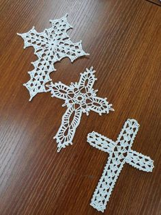Crochet Cross Ornament The price is for ONE CROCHET CROSS. Please let me know if you want me to add the string attach for hanging. The Crochet Cross measures approximately by 5 inches Crochet Borders, Crochet Motif, Crochet Shawl, Crochet Doilies, Crochet Flowers, Knit Crochet, Crochet Patterns, Crochet Angels, Crochet Cross
