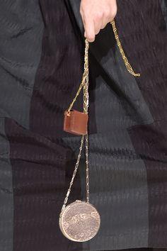 アクセサリー感覚で持ちたいマイクロミニサイズのバッグ