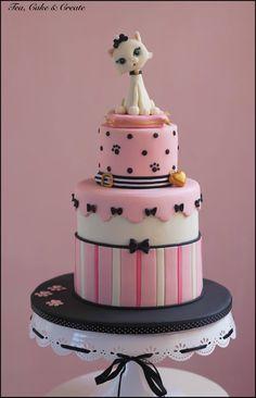 Here it is - Sabrina's cat-themed birthday cake.... - Tea, Cake & Create