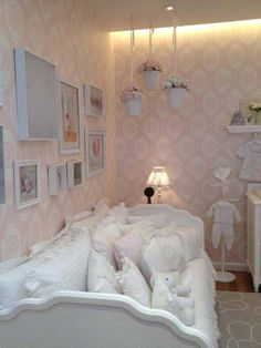 beautiful wallpaper and bedding