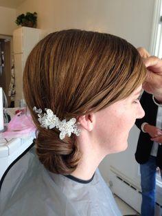Side rose petal bun by Liz Fanlo Makeup and Hair Bridal Hair Buns, Rose Petals, Bun Hairstyles, Looks Great, Hair Accessories, Makeup, Fashion, Make Up, Moda