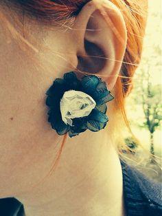 Zelené s bielou ružičkou by Martinuska - SAShE. Handmade Earings, Crochet Earrings, Jewelry, Fashion, Moda, Jewlery, Jewerly, Fashion Styles, Schmuck