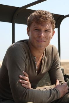 Christopher Egan, one hot soldier