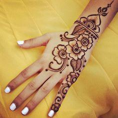 Very simple henna design