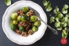 brukselka z bekonem i orzechami włoskimi / brussel sprouts with bacon and walnuts