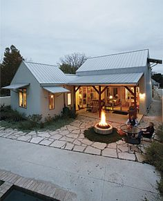 Benefits of Residential Metal Buildings with Living Quarters Style At Home, Future House, Plan Chalet, Design Exterior, Roof Design, Cafe Exterior, Modern Farmhouse Exterior, Cabins And Cottages, Small Beach Cottages