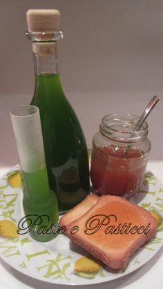 Se avete la possibilità di reperire dei mandarini verdi, approfittatene per fare questo liquore al mandarino verde davvero delizioso!