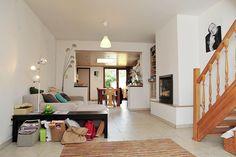 Er zijn tal van mogelijkheden om een kleine woning om te toveren tot een kwaliteitsvolle stadswoning mét voldoende licht, lucht en ruimte. De brochure 'Smal bouwen, ruim wonen' van de Stad Gent biedt inspiratie om smalle rijwoningen kwaliteitsvol te verbouwen. Meer info: www.gent.be.  Foto: Stad Gent