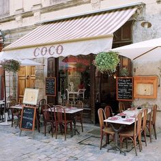 Paris cafe - classic