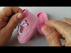 20 Ideas crochet baby clothes unisex for Baby Girl Crochet, Crochet Baby Shoes, Crochet Baby Clothes, Unisex Baby Clothes, Crochet For Kids, Crochet Boots, Crochet Slippers, Knit Crochet, Baby Slippers
