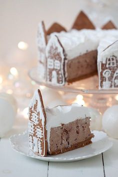 Forming a gingerbread village as the crust to your cake or pie this Christmas is whimsical and endearing. It adds a touch of elegance while subtly making cutting to serve so much easier. Christmas Treats To Make, Christmas Sweets, Christmas Cooking, Christmas Goodies, Simple Christmas, Christmas Christmas, Christmas Chocolate, Gingerbread Village, Christmas Gingerbread