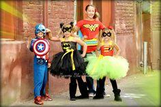 Batman Batgirl Tutu Dress & Mask Costume Set. Great for Superhero Themed Birthdays, Halloween, Family Photos, Props and more. Disfraces de superhéroes con tutu para niños.