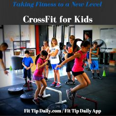 CrossFit isn't just for adults! It's growing in popularity among young kids. While it's still relatively new, CrossFit for kids is sweeping the nation. Crossfit Kids Workouts, Crossfit Classes, Workouts For Teens, Fun Workouts, Kids Gym, Yoga For Kids, Exercise For Kids, Kids Sports, School Age Activities