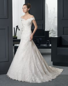 Long beaded lace wedding dress with flower. Two by Rosa Clará 2015 Collection- Roxana