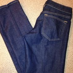 Old Navy Five pocket low rise straight leg jeans.31 inches. Old Navy Jeans