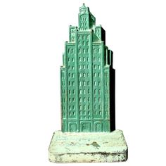Shop vintage, mid-century, modern and antique decorative objects from the world's best furniture dealers. Modern Decorative Objects, Doorstop, Skyscrapers, Desk Accessories, Kitsch, Cool Furniture, Vintage Shops, 1930s, Cast Iron