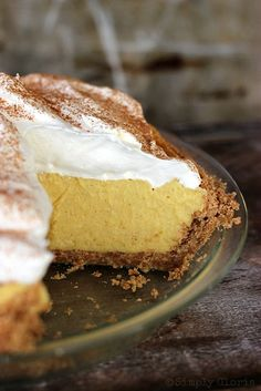 {No Bake} Eggnog Pie.  Must try this!
