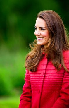 Kate. God bless her, beautiful style with a beautiful smile from Kate Middleton.