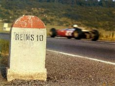 1966 French GP, Reims : Mike Parkes, Ferrari 312 #22, Scuderia Ferrari. (ph: pinterest.com)