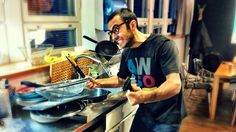 Healthy Eating for People Who Hate Cooking - Lifehacker - also useful for people like me who have a third world kitchen.