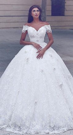 Wonderful lace Off-the-shoulder Neckline Ball Gown Wedding Dresses With Handmade Flowers