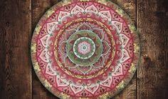 Arte em Mandala feitas por encomenda. Mandalas Design por Juliana Figueira Contato: julianafigueirasouza@gmail.com http://julianafigueira.wix.com/sattwa-mandalas https://www.facebook.com/sattwamandalasdesign/