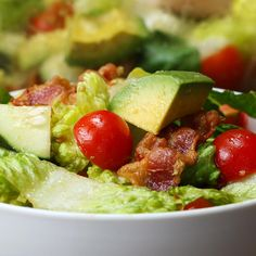 This Salad Brings Bacon And Avocado Together In Perfect Harmony Healthy Dinner Recipes, Healthy Snacks, Vegetarian Recipes, Healthy Eating, Cooking Recipes, Tasty Videos, Food Videos, Deli Food, Easy Salads