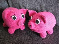 Penny the Pig - 16cm Long and 12cm Tall - Free Amigurumi Pattern http://crochetfairy1.blogspot.dk/2013/04/penny-pig.html