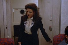 I am a little obsessed with the hit show, Seinfeld. More specifically, I am a little obsessed with the sole female character in the ensemble cast, Julia Louis Dreyfus, Seinfeld Elaine, Seinfeld Episodes, Elaine Benes, Best Sitcoms Ever, King Of Queens, Ensemble Cast, Season Of The Witch, Modern Fashion