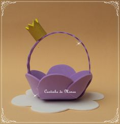 Cesta porta bombom em EVA                                                                                                                                                                                 Mais Sofia Birthday Cake, 2nd Birthday Parties, Birthday Party Decorations, Clay Crafts, Felt Crafts, Easter Crafts, Crafts For Kids, Princess Sofia The First, Princess Party