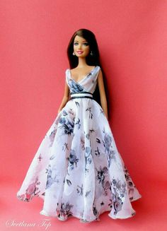 15 Ideas diy fashion dresses doll clothes for 2019 Sewing Barbie Clothes, Barbie Sewing Patterns, Doll Clothes Patterns, Clothing Patterns, Diy Clothes, Dress Patterns, Barbie Et Ken, Barbie Mode, Barbie Gowns