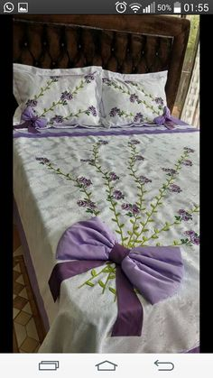 Turkan Yılmaz pike takımı Bed Sheet Curtains, Ribon Embroidery, Sofa Covers, Pillow Covers, Débardeurs Au Crochet, Bed Cover Design, Designer Bed Sheets, Bow Pillows, Interior Design Shows