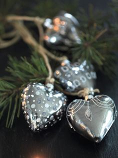 Heart for Christmas Merry Christmas, Silver Christmas, All Things Christmas, Christmas Time, Christmas Crafts, Christmas Decorations, Christmas Ornaments, Xmas, Silver Ornaments