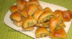 Kváskové cesnakové osúchy - MňamRecepty.eu Bread, Food, Basket, Brot, Essen, Baking, Meals, Breads, Buns