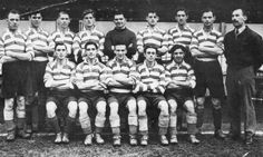 EXETER CITY FOOTBALL TEAM PHOTO 1949-50 SEASON