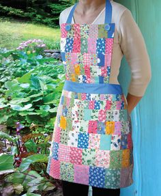 Cop or Drop? Retro Apron, Aprons Vintage, Quilting Projects, Sewing Projects, Easy Sewing Patterns, Apron Patterns, Bib Apron, Old Quilts, Sewing Aprons