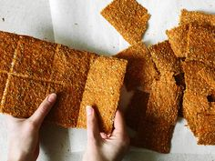 Savoury Carrot Crackers (made with dehydrator) Raw Food Recipes, Snack Recipes, Cooking Recipes, Healthy Baking, Healthy Snacks, Fitness Snacks, Roh Vegan, Dried Vegetables, Biscuits