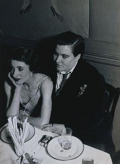 lesbian couple at Le Monocle 1932