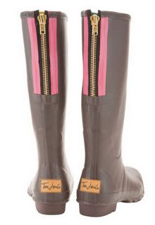 pink, brown, zipper, fashion, wellies, rain boots, rain, raining