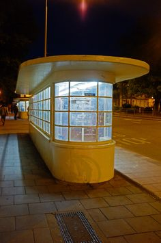 One of several art deco bus shelters in central Brighton (UK)