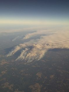 Wildfires in Bastrop, Texas - Sept. my hometown Texas Weather, Wild Weather, Bastrop Texas, Places Ive Been, Places To Go, Pyroclastic Flow, Wildland Firefighter, Thought Of The Day, Firefighting