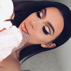 """@j_make_up wearing #LillyLashes in style """"Caviar"""" from The Luxury Collection  #GhalichiGlam⠀ ⠀ Shop all the GLAM styles at:⠀ ✨www.LillyLashes.com✨⠀  ☝Or click the link in our bio☝⠀"""