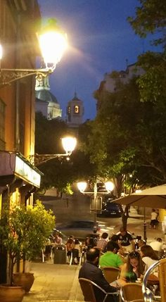 Vistas del Madrid de los Austrias, terraza del café de Monaguillo