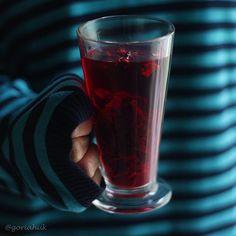 Finalzinho de tarde com CHÁ DE HIBISCO: gosto da cor do sabor e do conforto de tomar com minha mãe . Bom restinho de domingo... #chadehibisco #cha #tea by goriahuk