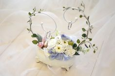 Handmade ring pillow with cute little birds in a classic atmosphere Ring Holder Wedding, Ring Pillow Wedding, Wedding Pillows, Wedding Boxes, Wedding Gifts, Our Wedding, Flower Girl Wreaths, Ring Pillows, Wedding Glasses