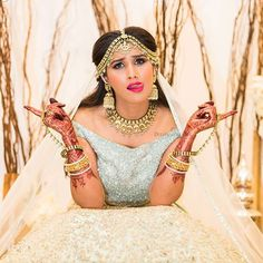 indian wedding photography new jersey Indian Bride Poses, Indian Wedding Poses, Indian Bridal Photos, Indian Wedding Photography Poses, Photography Ideas, Bridal Poses, Bridal Photoshoot, Bridesmaid Poses, Engagement Photo Poses