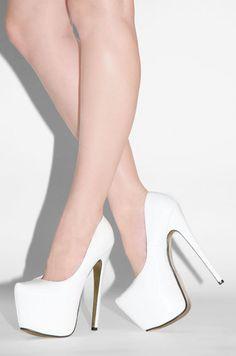 ..white heels / pumps
